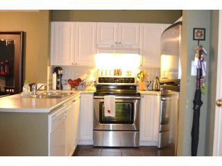 Photo 10: 212 15268 105TH Avenue in Surrey: Guildford Condo for sale (North Surrey)  : MLS®# F1437221