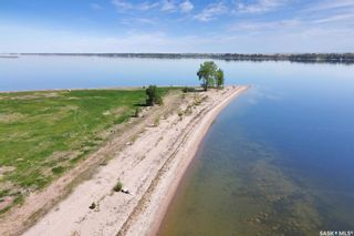 Photo 5: 400 Lakeshore Drive in Wee Too Beach: Residential for sale : MLS®# SK858460