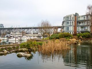 """Photo 29: 1592 ISLAND PARK Walk in Vancouver: False Creek Townhouse for sale in """"LAGOONS"""" (Vancouver West)  : MLS®# V1099043"""