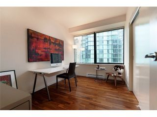 """Photo 7: 1409 1333 W GEORGIA Street in Vancouver: Coal Harbour Condo for sale in """"THE QUBE"""" (Vancouver West)  : MLS®# V888854"""