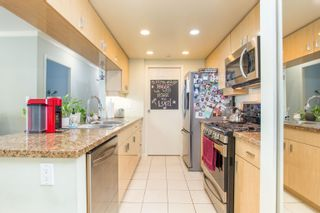 """Photo 9: 908 1033 MARINASIDE Crescent in Vancouver: Yaletown Condo for sale in """"QUAYWEST"""" (Vancouver West)  : MLS®# R2615852"""