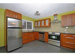 Photo 6: 615 34 Avenue NE in CALGARY: Winston Heights Mountview Residential Detached Single Family for sale (Calgary)  : MLS®# C3549154