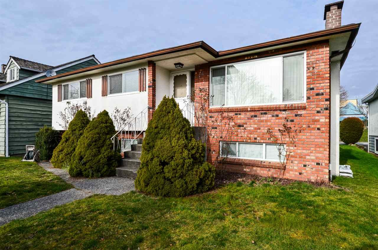 Main Photo: 7264 ELMHURST Drive in Vancouver: Fraserview VE House for sale (Vancouver East)  : MLS®# R2564193