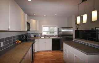 Photo 5: 410 Walter Ave in Victoria: Residential for sale : MLS®# 283473