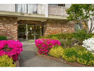 """Photo 2: 302 306 W 1ST Street in North Vancouver: Lower Lonsdale Condo for sale in """"LA VIVA"""" : MLS®# R2577061"""