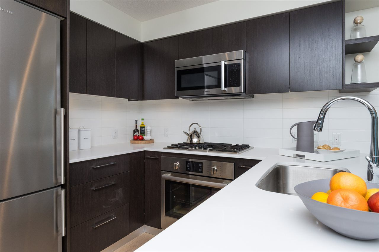 """Photo 3: Photos: 503 7788 ACKROYD Road in Richmond: Brighouse Condo for sale in """"QUINTET"""" : MLS®# R2099187"""