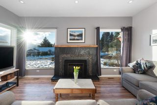 Photo 3: 960 Evergreen Ave in : CV Courtenay East House for sale (Comox Valley)  : MLS®# 866340