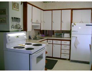 Photo 5: 311 LINWOOD Street in WINNIPEG: St James Residential for sale (West Winnipeg)  : MLS®# 2815598