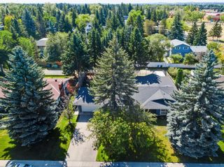 Photo 3: 439 WILDERNESS Drive SE in Calgary: Willow Park Detached for sale : MLS®# A1026738