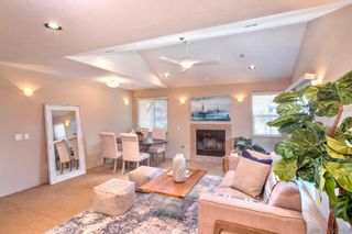 Photo 2: PACIFIC BEACH Townhouse for sale : 3 bedrooms : 3923 Riviera Dr #Unit B in San Diego