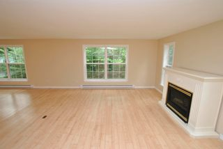 Photo 8: 24 Lakeview Circle Extension in Conquerall Mills: 405-Lunenburg County Residential for sale (South Shore)  : MLS®# 202118935
