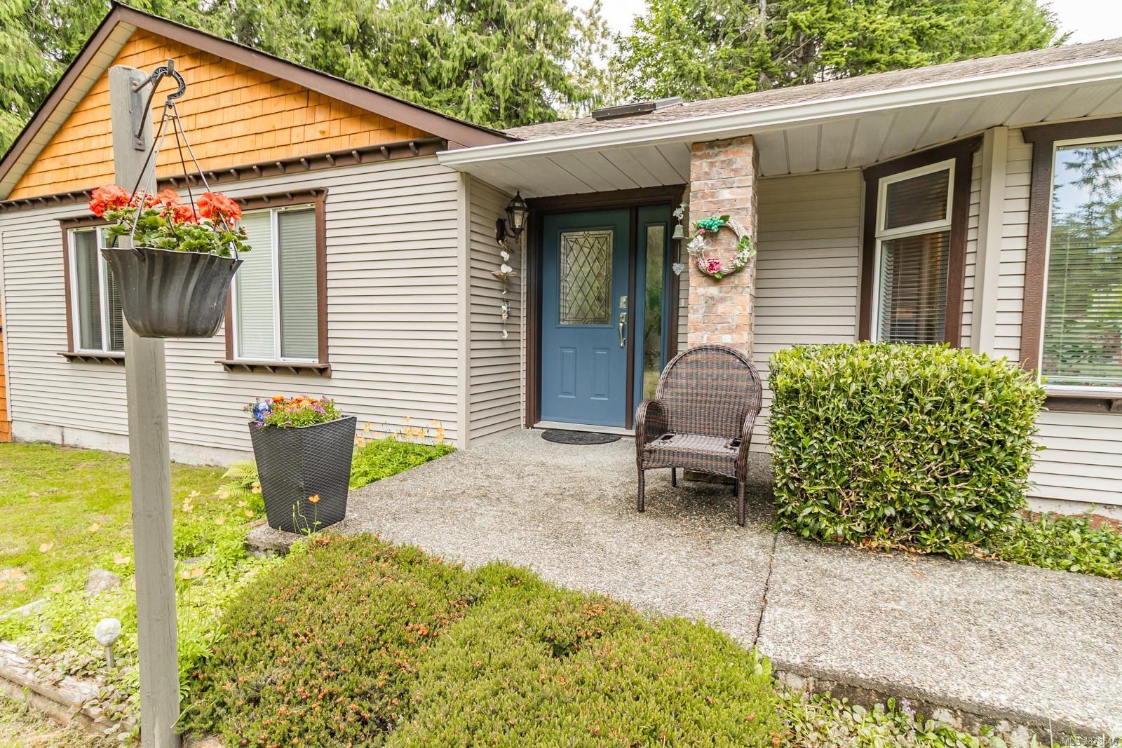 Photo 11: Photos: 1070 Symons Cres in : PQ Qualicum Beach House for sale (Parksville/Qualicum)  : MLS®# 878545