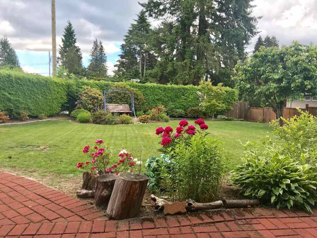 Main Photo: 4053 HIGHLAND Boulevard in North Vancouver: Forest Hills NV House for sale : MLS®# R2376946