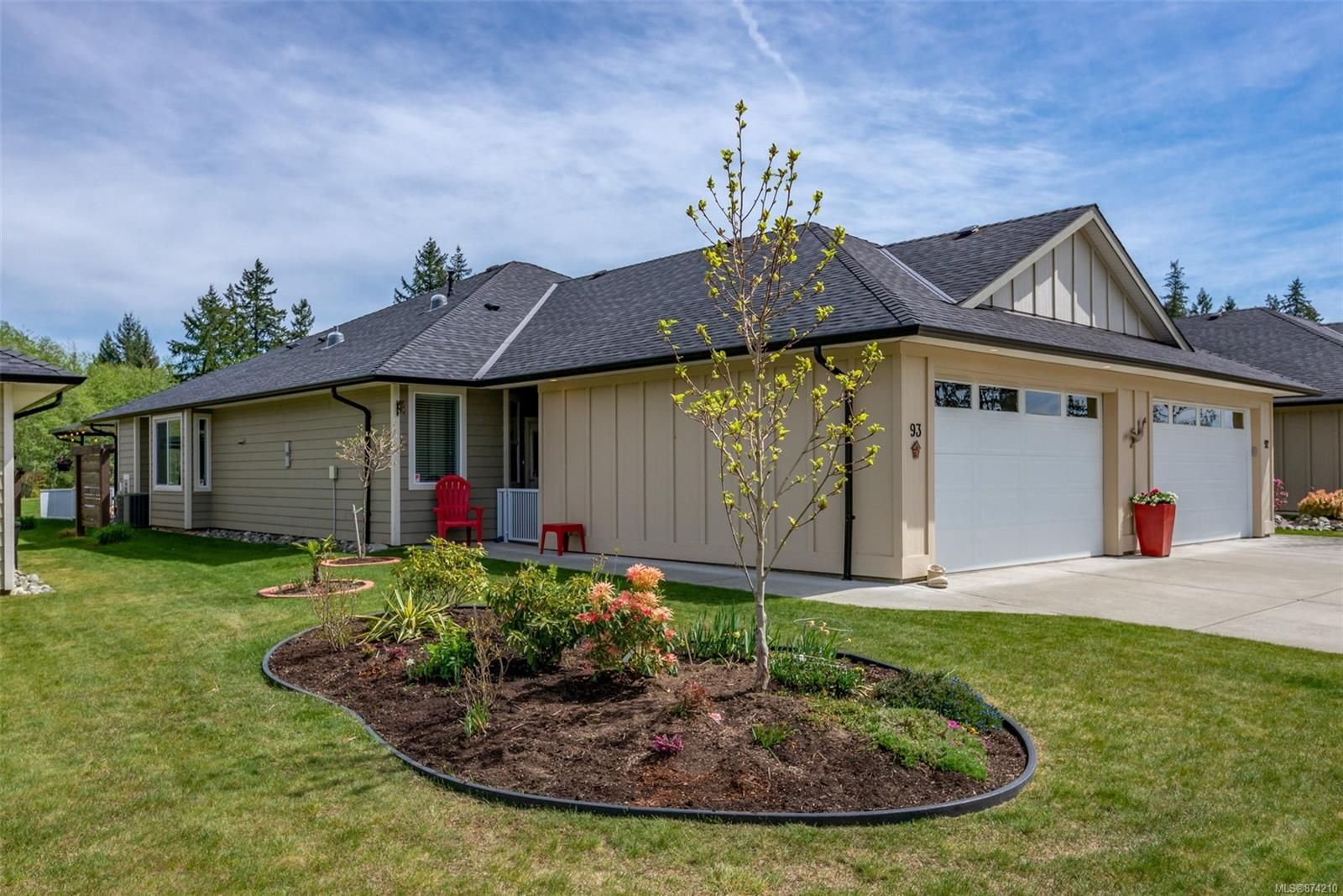 Main Photo: 93 2006 Sierra Dr in : CR Campbell River West Half Duplex for sale (Campbell River)  : MLS®# 874210