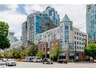 """Photo 2: 1304 1159 MAIN Street in Vancouver: Mount Pleasant VE Condo for sale in """"CITY GATE II"""" (Vancouver East)  : MLS®# V1136462"""