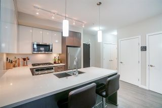 """Photo 5: 109 20 E ROYAL Avenue in New Westminster: Fraserview NW Condo for sale in """"The Lookout"""" : MLS®# R2229386"""