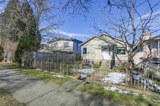 Photo 2: 2011 VENABLES Street in Vancouver: Hastings House for sale (Vancouver East)  : MLS®# R2342560