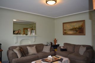 Photo 3: 2028 E 42ND AVENUE in Vancouver: Killarney VE House for sale (Vancouver East)  : MLS®# R2045582