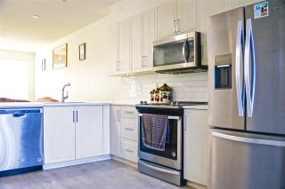 """Photo 4: 46 14555 68 Avenue in Surrey: East Newton Townhouse for sale in """"Sync"""" : MLS®# R2547239"""