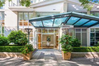 "Photo 2: 405 1425 W 6TH Avenue in Vancouver: False Creek Condo for sale in ""MODENA OF PORTICO"" (Vancouver West)  : MLS®# R2611167"