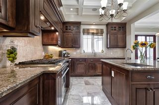 Photo 7: 54 SEABREEZE Crescent in Stoney Creek: House for sale : MLS®# H4112301