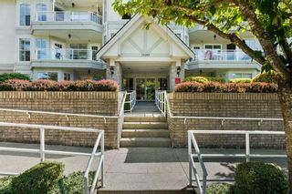 """Photo 29: 101 15290 18 Avenue in Surrey: King George Corridor Condo for sale in """"STRATFORD BY THE PARK"""" (South Surrey White Rock)  : MLS®# R2604945"""