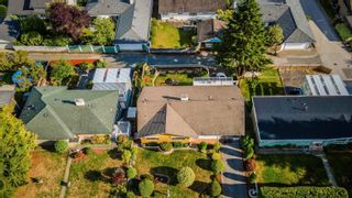 """Photo 4: 40 E TENTH Avenue in New Westminster: The Heights NW House for sale in """"Heights"""" : MLS®# R2617356"""