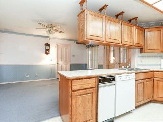 """Photo 8: 116 9781 148A Street in Surrey: Guildford Townhouse for sale in """"CHELSEA GATE"""" (North Surrey)  : MLS®# F1406838"""