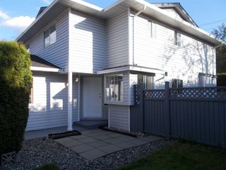 """Photo 2: 108 11255 HARRISON Street in Maple Ridge: East Central Townhouse for sale in """"RIVER HEIGHTS"""" : MLS®# R2579437"""