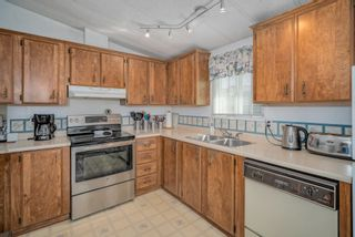 """Photo 12: 102 2303 CRANLEY Drive in Surrey: King George Corridor Manufactured Home for sale in """"SUNNYSIDE ESTATES"""" (South Surrey White Rock)  : MLS®# R2618060"""