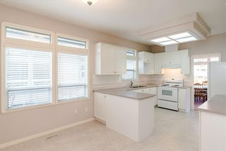 Photo 2: 10 4725 221 Street in Langley: Murrayville Townhouse for sale : MLS®# R2465425