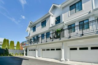 """Photo 16: 52 5945 176A Street in Surrey: Cloverdale BC Townhouse for sale in """"Crimson"""" (Cloverdale)  : MLS®# R2416464"""