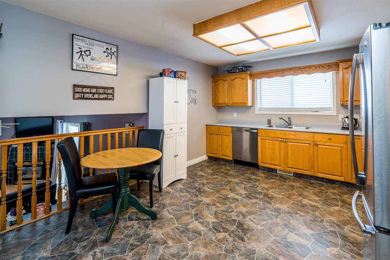 """Photo 11: Photos: 6968 O'GRADY Road in Prince George: St. Lawrence Heights House for sale in """"ST. LAWRENCE HTS/SOUTHRIDGE"""" (PG City South (Zone 74))  : MLS®# R2138337"""