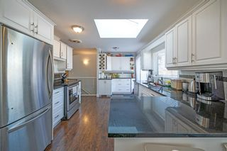 Photo 13: 704 Imperial Way SW in Calgary: Britannia Detached for sale : MLS®# A1081312