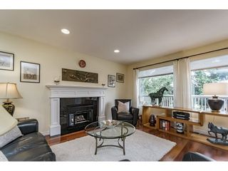 Photo 4: 14779 RUSSELL Avenue: White Rock House for sale (South Surrey White Rock)  : MLS®# R2171481