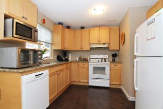 Photo 11: 12277 AURORA STREET in Maple Ridge: East Central House for sale : MLS®# R2331973