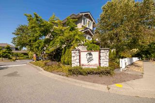 """Photo 2: 42 14877 58 Avenue in Surrey: Sullivan Station Townhouse for sale in """"REDMILL"""" : MLS®# R2603819"""