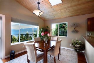 Photo 4: 1841 NORTH Road in Gibsons: Gibsons & Area House for sale (Sunshine Coast)  : MLS®# R2619808