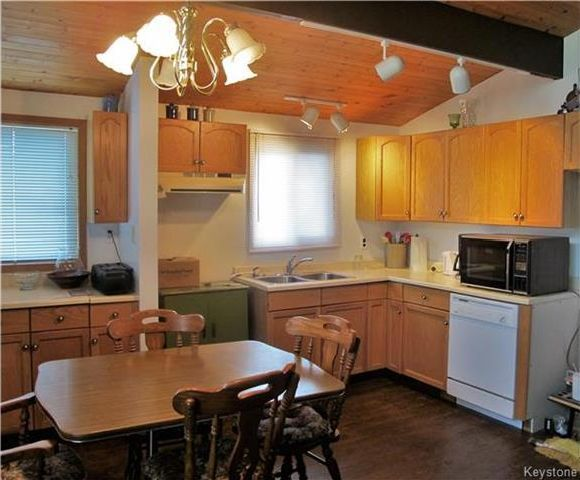 Photo 10: Photos:  in St Laurent: Twin Lake Beach Residential for sale (R19)  : MLS®# 1728716