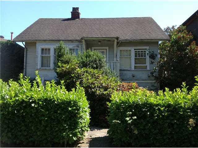 Main Photo: 560 E 30th Av in Vancouver: Fraser VE House for sale (Vancouver East)  : MLS®# V1135544