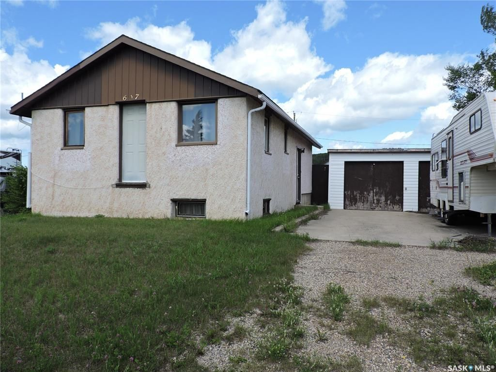 Main Photo: 617 Weikle Avenue in Sturgis: Residential for sale : MLS®# SK818116