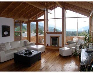 """Photo 2: 40269 AYR Drive in Squamish: Garibaldi Highlands House for sale in """"GARIBALDI HIGHLANDS"""" : MLS®# V776660"""