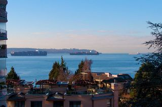 "Photo 1: 502 2167 BELLEVUE Avenue in West Vancouver: Dundarave Condo for sale in ""VANDEMAR WEST"" : MLS®# R2338886"