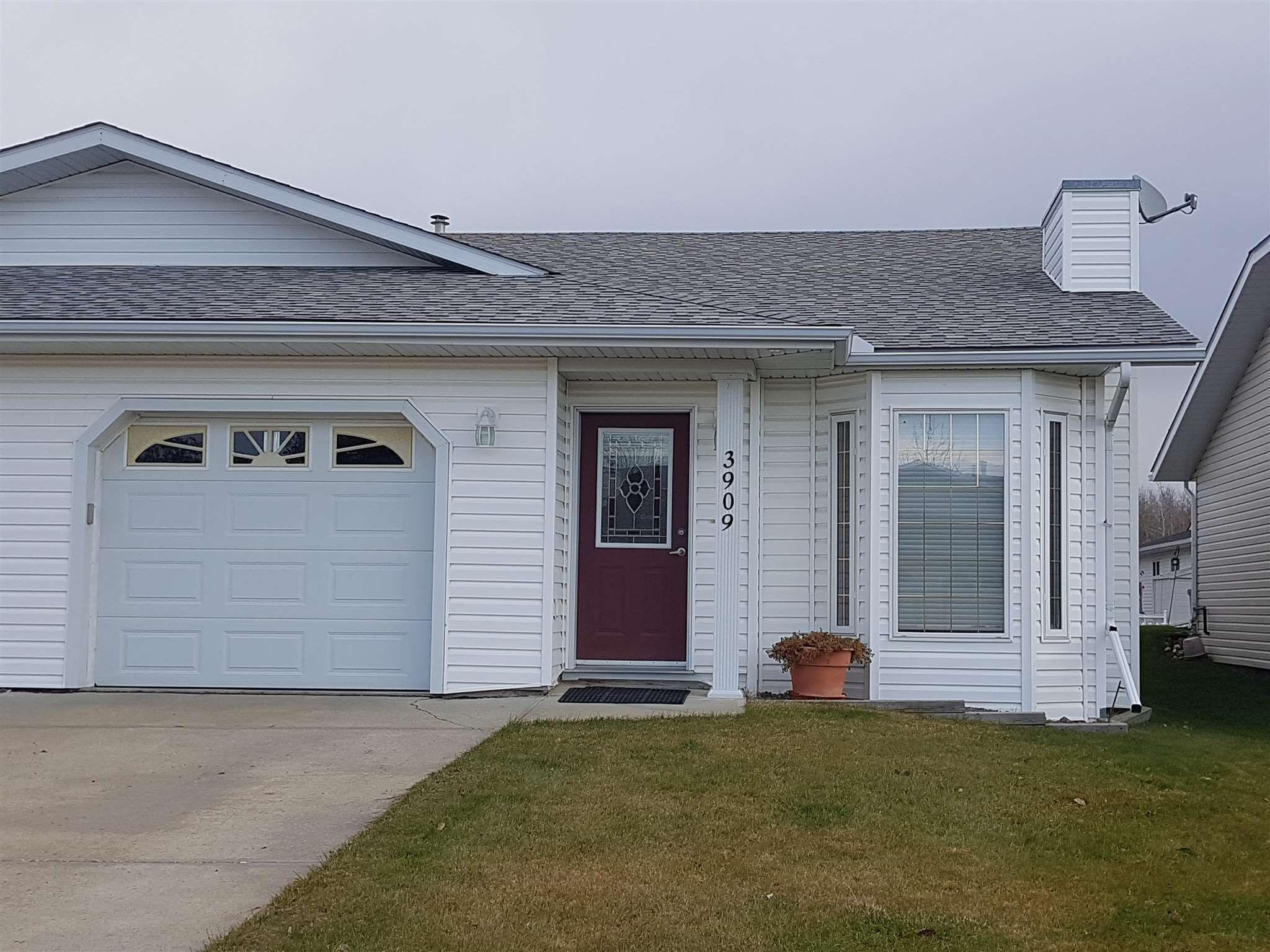 Main Photo: 3909 46 Street: Drayton Valley House Half Duplex for sale : MLS®# E4254055