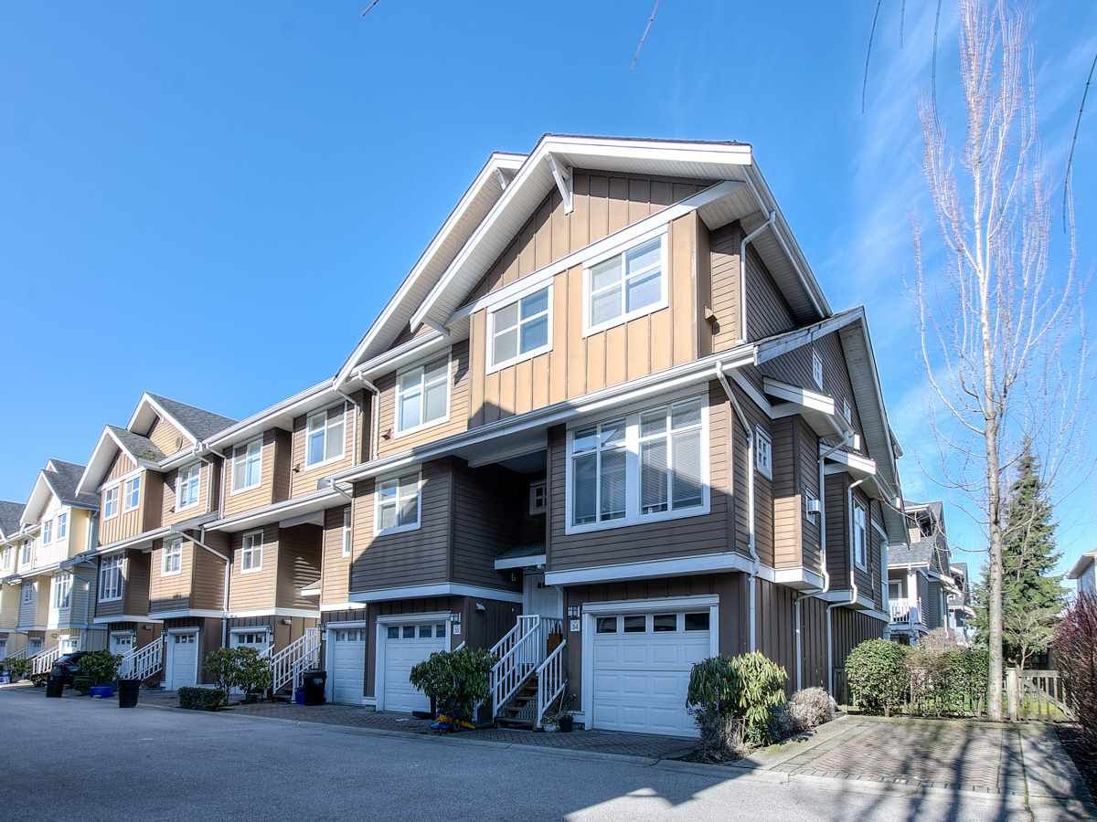 """Main Photo: 34 935 EWEN Avenue in New Westminster: Queensborough Townhouse for sale in """"COOPERS LANDING"""" : MLS®# R2443218"""