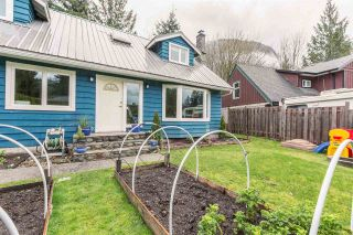 """Photo 2: 1107 PLATEAU Crescent in Squamish: Plateau House for sale in """"PLATEAU"""" : MLS®# R2050818"""