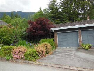 """Photo 3: 5472 BLUEBERRY Lane in North Vancouver: Grouse Woods House for sale in """"GROUSE WOODS"""" : MLS®# V1127820"""