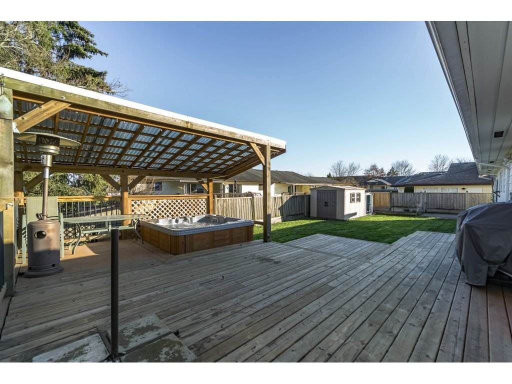 Photo 18: Photos: 6474 196 Street in Langley: Willoughby Heights House for sale : MLS®# R2239174