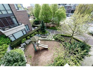 """Photo 15: 303 170 W 1ST Street in North Vancouver: Lower Lonsdale Condo for sale in """"ONE PARKLANE"""" : MLS®# V1117348"""