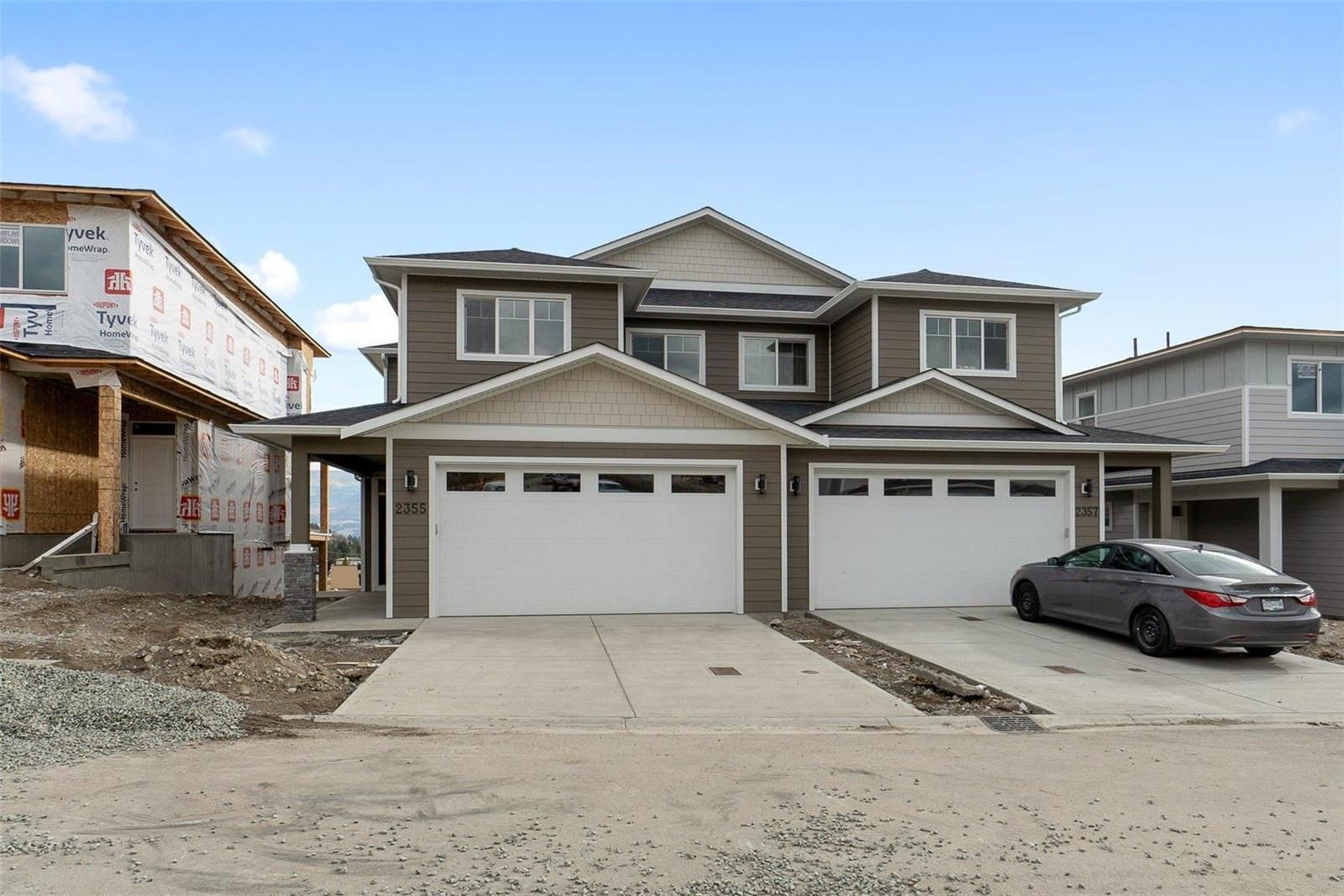 Main Photo: 2355 Hawks Boulevard, in Westbank: House for sale : MLS®# 10241649
